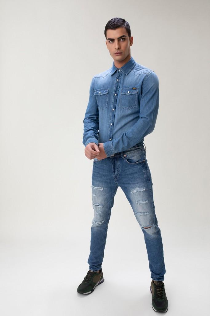 הג'ינס ימשיך להיות הפריט הדומיננטי ביותר במלתחה של הגבר, לי קופר תמשיך לחקור ולפתח כל עונה את הג'ינס על מנת לתת ללקוח את הפריט המדויק והנכון ביותר עבור צרכיו