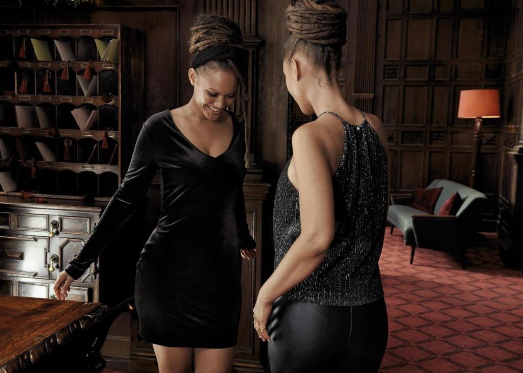 קולקציית הנשים משלבת מגוון רחב של פריטים אלגנטיים המתאימים לבילויי הערב השונים ויוצרים מראה  נטול מאמץ המשדר זוהר נינוח / H&M HOLIDAY צילום: הנס מוריץ