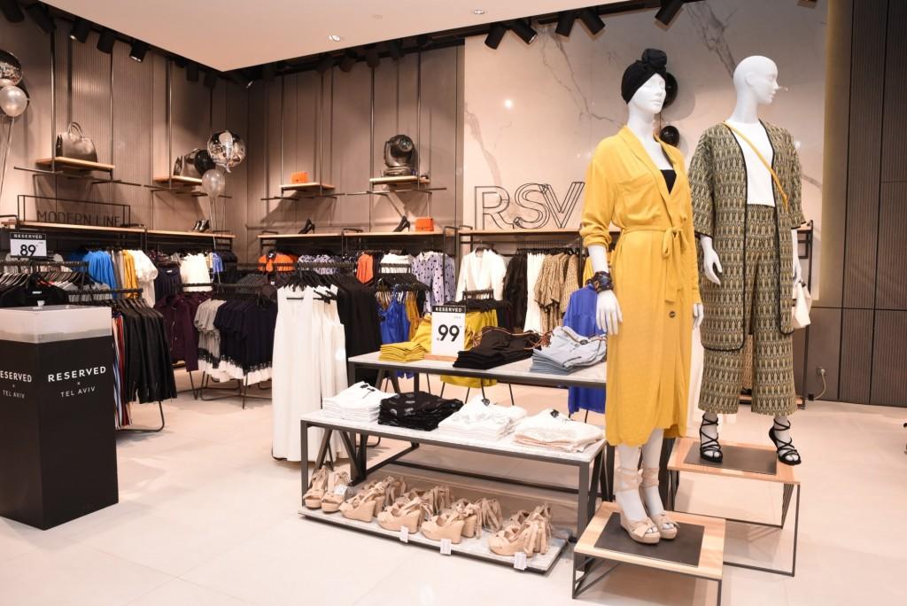 חנות ריזרבד בקניון גבעתיים / צילום: אלעד גוטמן