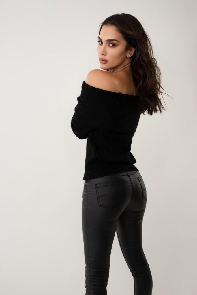 שימו לב לג'ינס הביופרנד של המותג | לי קופר בקולקציית חורף 19 | צילום: אלכס ליפקין