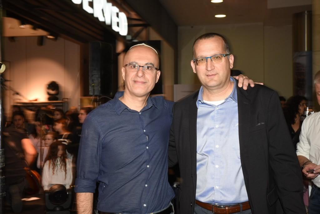 מימין לשמאל רן קוניק ועמיר משה / צילום: אלעד גוטמן