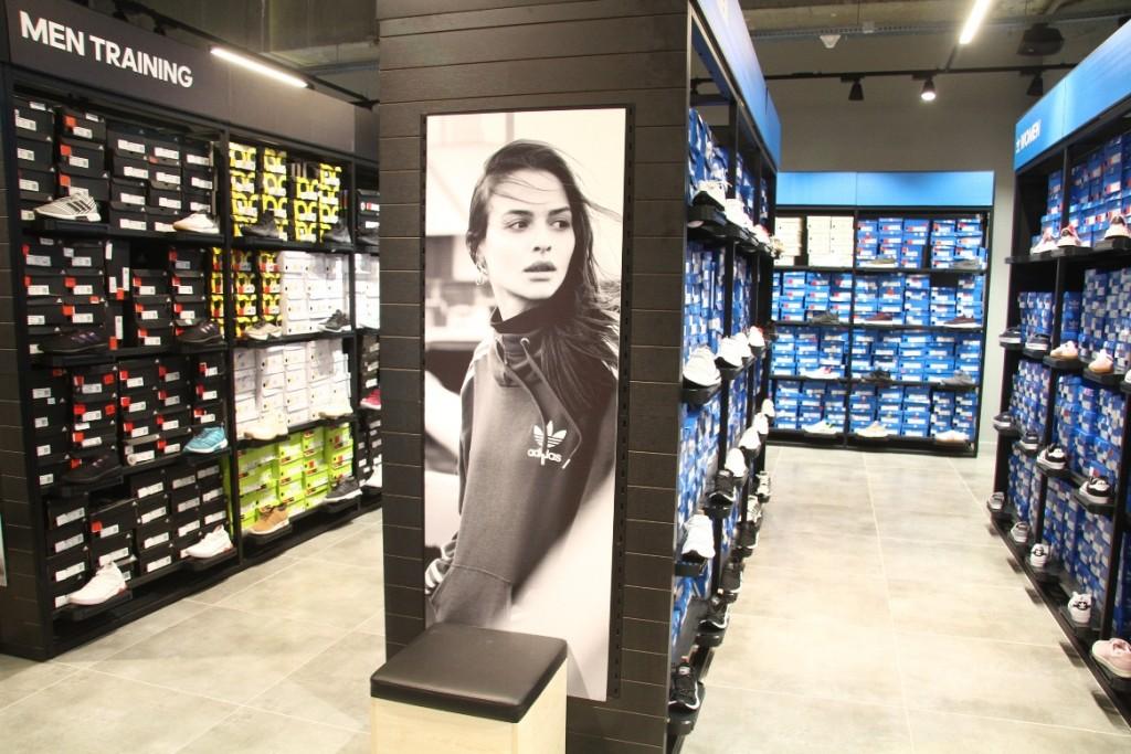 פתיחת חנות של אדידס אאוטלט במתחם עופר בילו סנטר / צילום: אסף לב