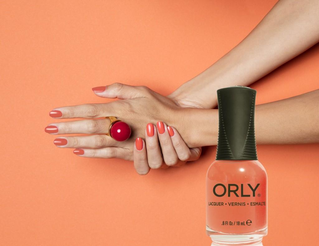 וגם על הציפרוניים | לק של חברת ORLY | צילום: ג'ון וויט