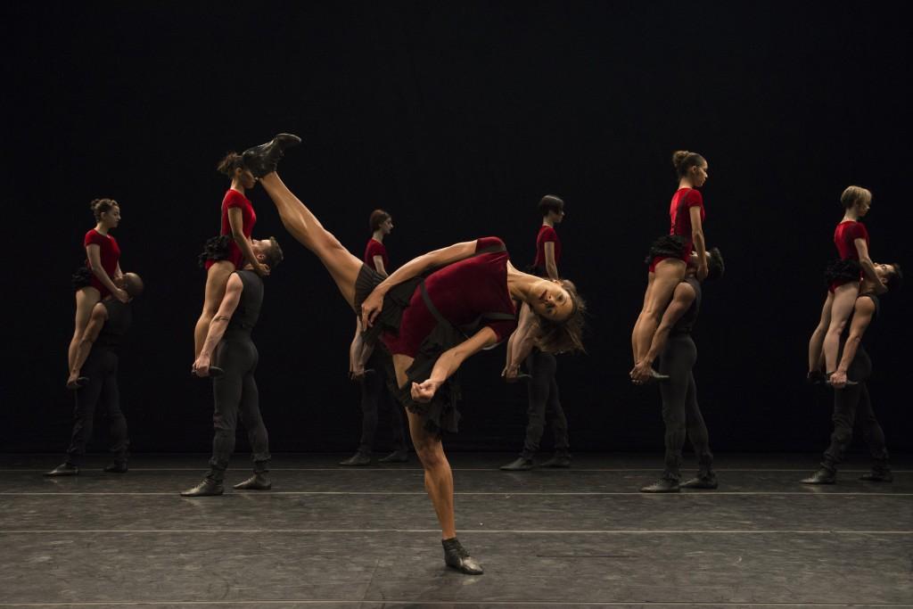 קטע ריקוד מתוך  SYMPHONIC DANCE   צילום: יח''צ