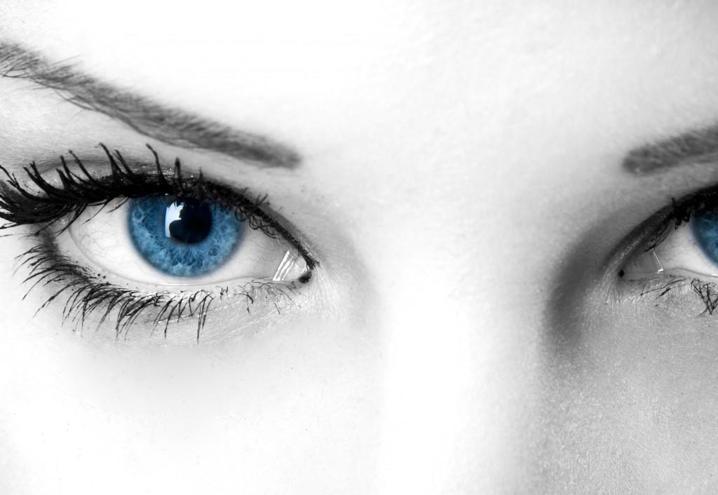 הטיפול מתאים גם למי שיש עודפי עור בעפעף העליון\התחתון, או הכבדה על הגבות מטרידים. כמן כן מתאים למי שסובלים מקמטים או קמטוטים, או מעוניינים לטפל בצלקות, פיגמנטציה של העור.