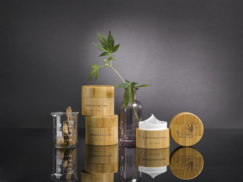 the organic hemp line / להשיג ברשת סופר פארם / צילום: אורי גרון